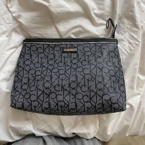 Cosmetic/travel bag